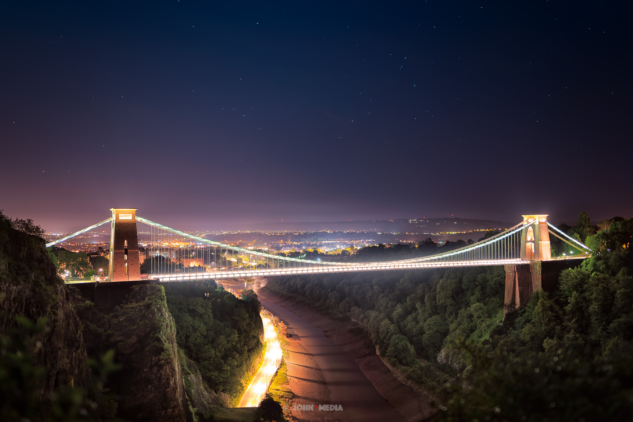 Clifton Suspension Bridge by night - Astro