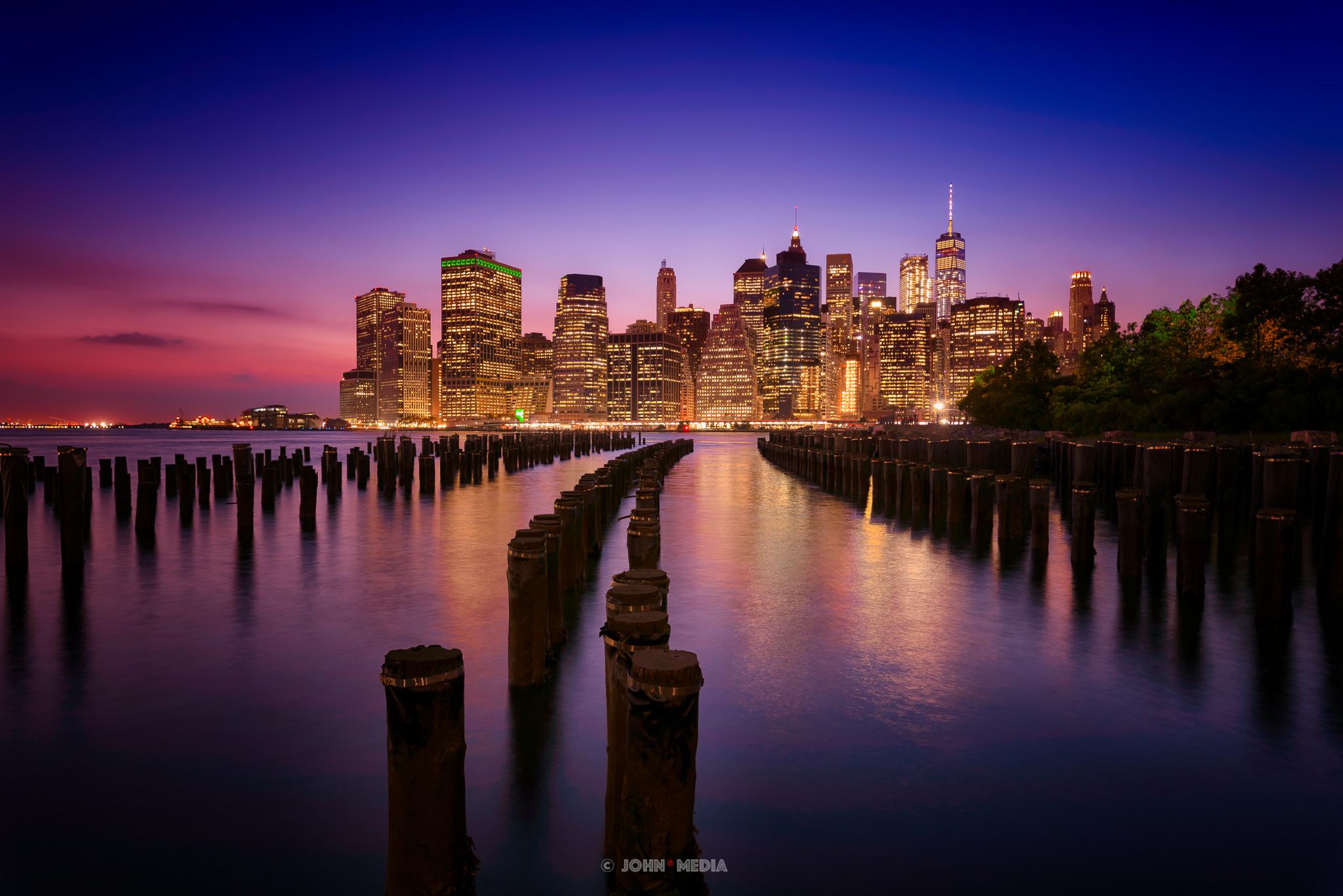 Manhattan skyline from Brooklyn Pier