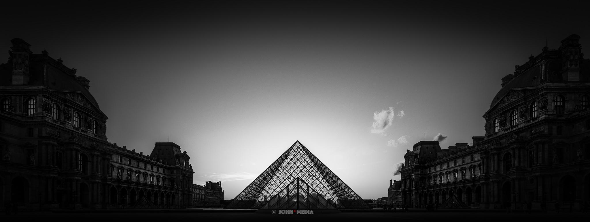 Louvre Fine Art