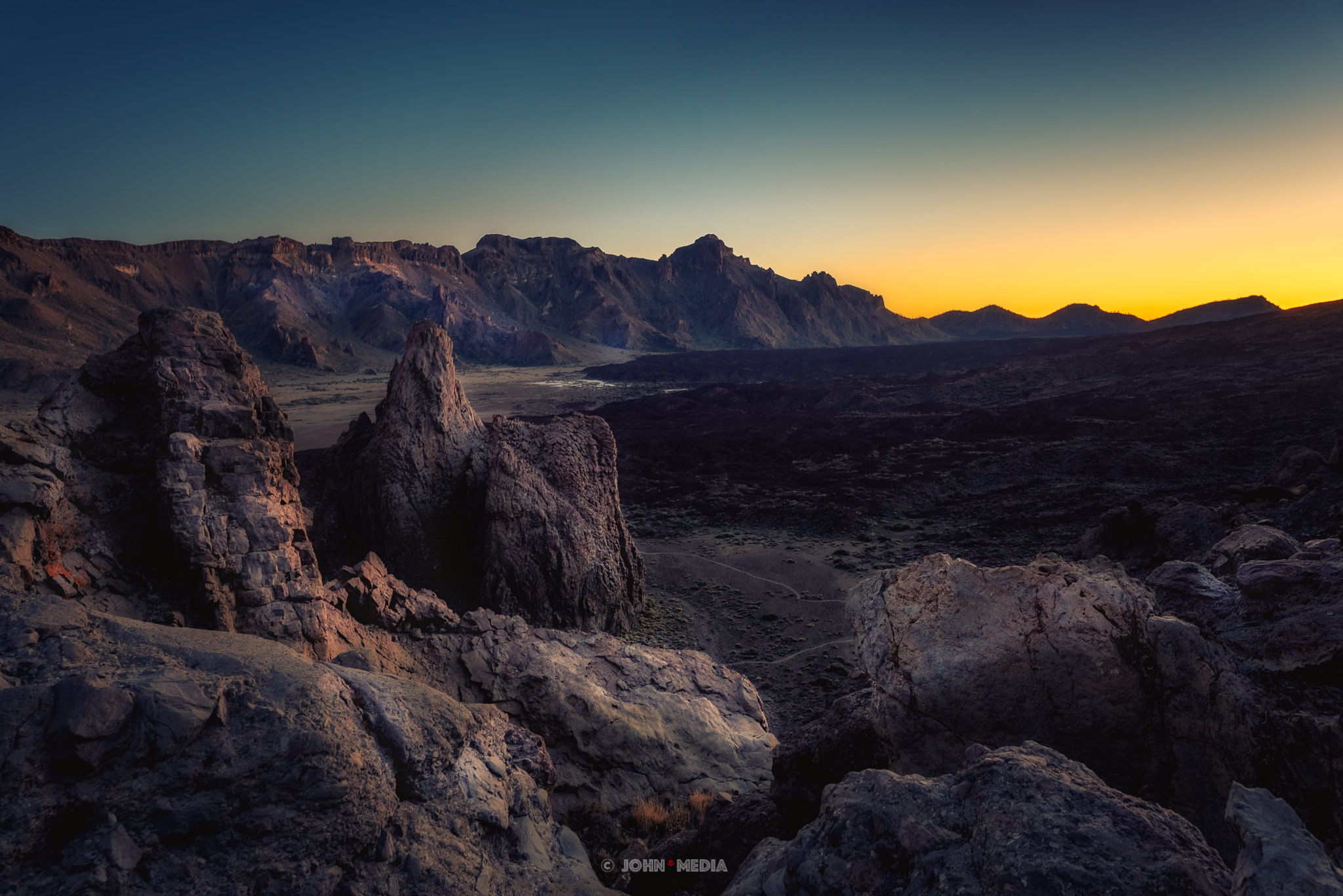 Tiede national park at dusk